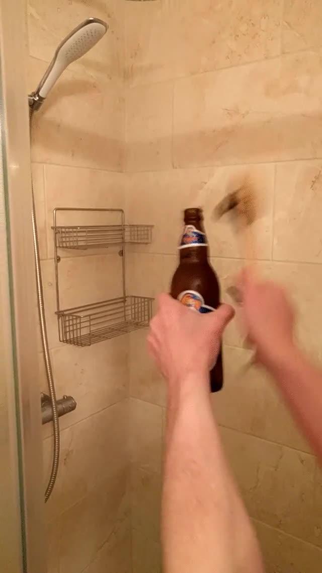 Enlace a Truco casero para cuando quieres abrir una cerveza y no encuentras el abridor