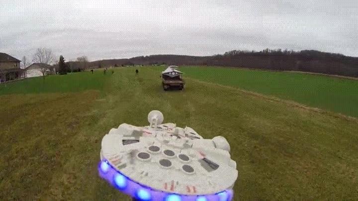 Enlace a Han creado un dron del Halcón Milenario de Star Wars y el resultado es una pasada