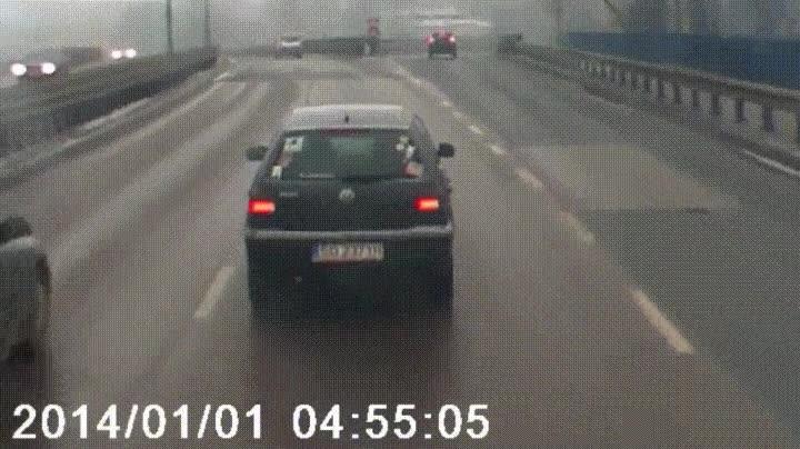 Enlace a El típico conductor que no se decide hasta el último segundo