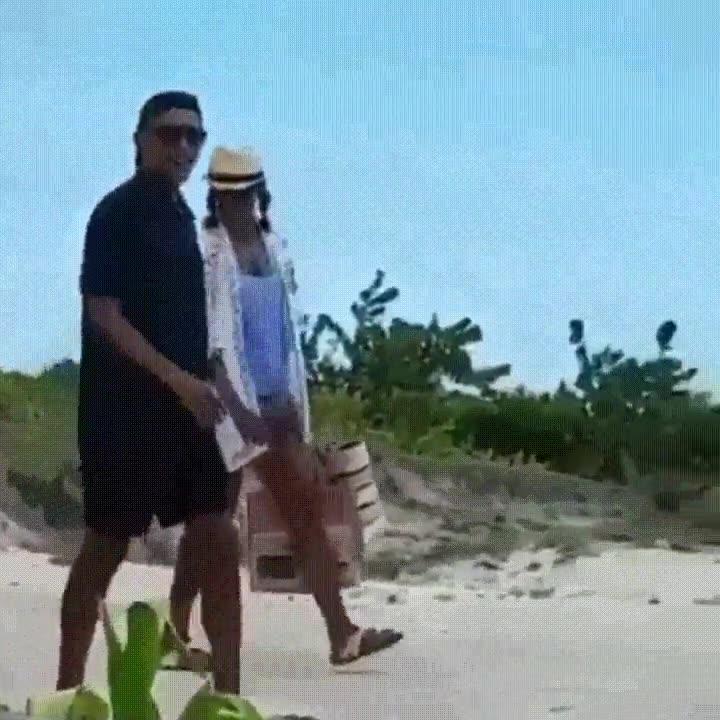 Enlace a Obama i Michelle disfrutando de unas merecidas vaciones