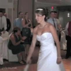 Enlace a Creo que no tiene mucho interés en casarse...