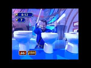 Enlace a De pequeño le metieron muchas broncas por no bajar la tapa del WC