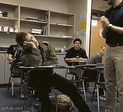 Enlace a Así te estúpido pareces cuando te quedas dormido en clase
