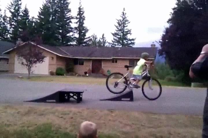 Enlace a Seguro que se le quitan las ganas de volver a coger sin permiso la bici de papá