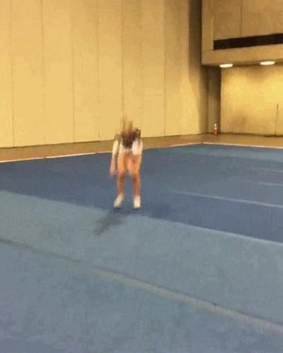 Enlace a Cheerleader con habilidades extraordinarias