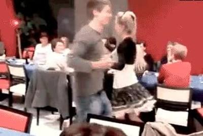 Enlace a Lo peor que te puede pasar cuando bailas en público