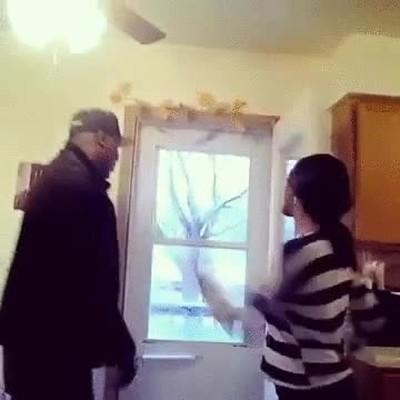 Enlace a En esta casa no se permite llevar sombreros