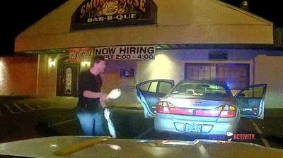 Enlace a Una forma ingeniosa de demostrar a los agentes de policía que no vas borracho