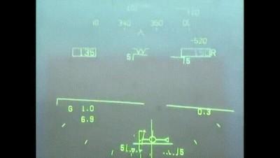 Enlace a F/A-18 aterrizando en condiciones de nula visibilidad