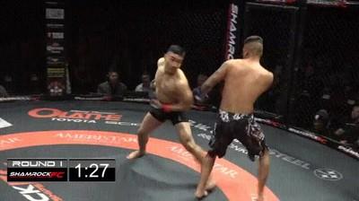 Enlace a El espectacular DOBLE K.O de dos luchadores de MMA