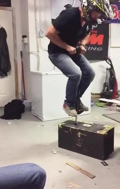 Enlace a Es IMPOSIBLE liarla más con un saltador