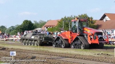 Enlace a ¿Quién ganaría una pelea entre un tanque y un tractor?