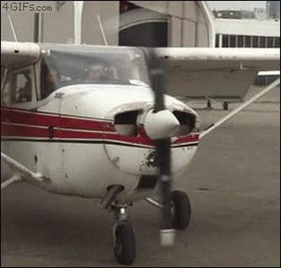Enlace a Las avionetas también notan cuando es lunes