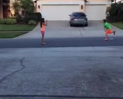Enlace a Lo que te puede pasar si juegas con tu hermano pequeño y te distraes un segundo