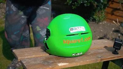 Enlace a Lo que pasa cuando intentas partir un casco con una katana
