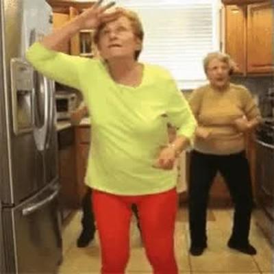 Enlace a Cuando tu abuela se junta con las amigas de la infancia