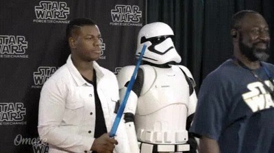 Enlace a John Boyega trolleando a un fan de Star Wars