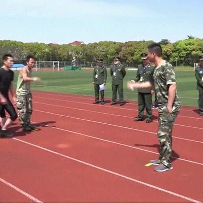 Enlace a El entrenamiento que hacen los bomberos en China
