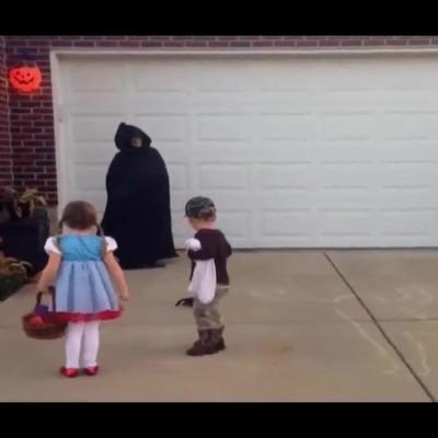 Enlace a Esta niña sobreviviría en una película de terror