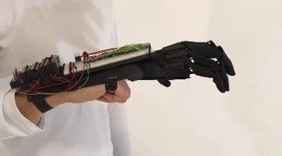 Enlace a Mano robótica creada con una impresora 3D