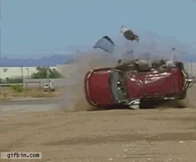 Enlace a Esto es lo que pasa en un accidente. Recuerda siempre llevar el cinturón puesto