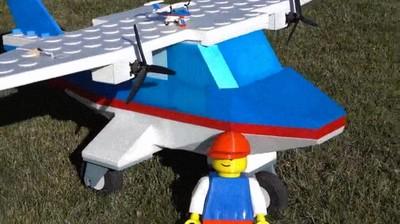 Enlace a Espectacular dron creado con piezas de LEGO