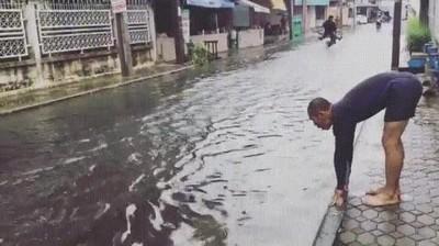 Enlace a Cuando aprovechas cualquier inundación para hacer unos largos