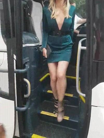 Enlace a El autobús del amor ha llegado a tu ciudad