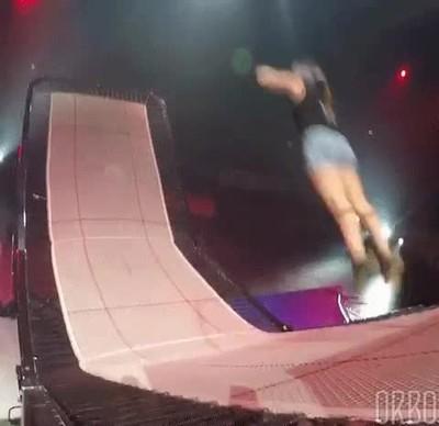 Enlace a Podría pasarme horas viendo estos saltos tan perfectos