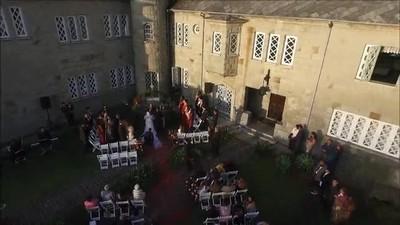 Enlace a Cuando llevas un dron a tu boda para grabar planos bonitos y acaba pasando lo predecible