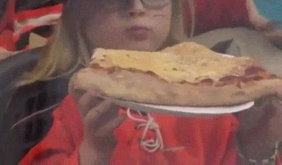 Enlace a Cuando estás a dieta y decides cenar solo un trozo de pizza