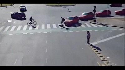 Enlace a Gente sin paciencia no respeta las indicaciones de los semáforos