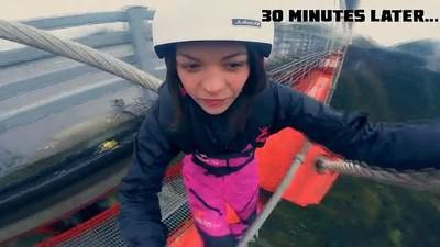 Enlace a Time lapse de increíble salto de una chica al vacío