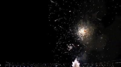 Enlace a Este vídeo de fuegos artificiales vistos marcha atrás te dejará horas embobado
