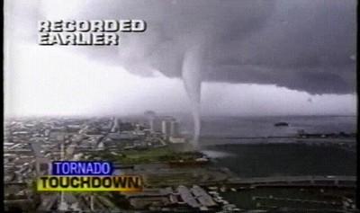 Enlace a Recordando el tornado que azotó Miami en 1997