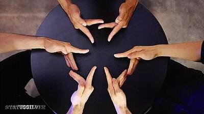 Enlace a Caleidoscopio formado por dedos