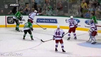 Enlace a ¿Que probabilidades hay de que pase eso jugando a hockey hielo?