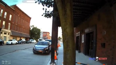 Enlace a Un policía de Indiana dispara a un actor mientras se filmaba una serie