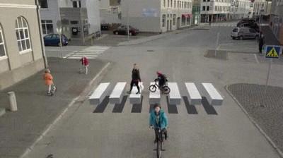 Enlace a Paso de peatones en 3D. La gente se queda muy pillada