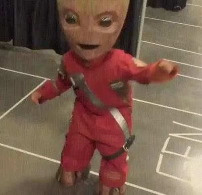 Enlace a Groot en la vida real es igual de adorable que en las pelis