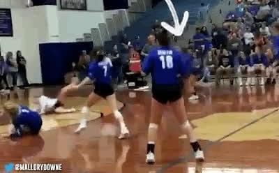 Enlace a Una de las salvadas más espectaculares que he visto en un partido de volley