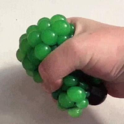 Enlace a Con una simple red cualquier bola antiestrés se vuelve algo increíble