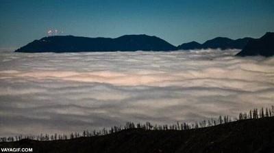 Enlace a Nubes que parecen como un océano