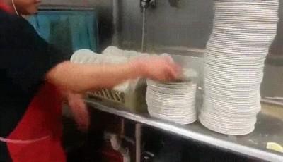 Enlace a Lavando los platos como un profesional