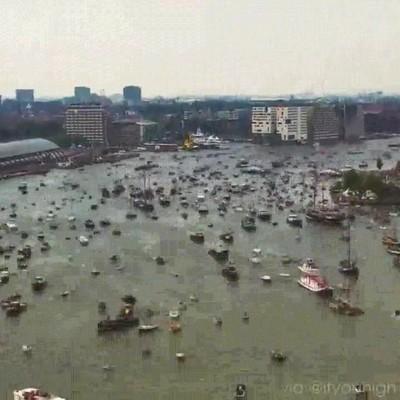 Enlace a El ajetreo que se vive en el puerto de Amsterdam un día cualquiera