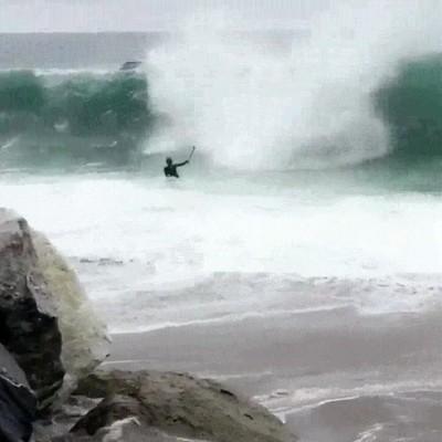 Enlace a Ven a surfear. Te lo pasarás bien, decían