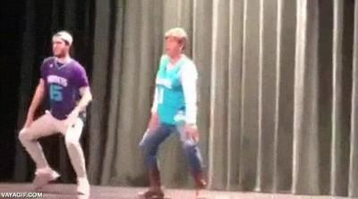Enlace a No hay nada como hacer un baile especial con tu madre