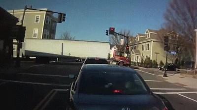 Enlace a Después de ver una maniobra así solo puedes felicitar al conductor