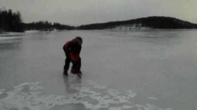 Enlace a Hoy en día para patinar solo necesitas un poco de hielo y una motosierra