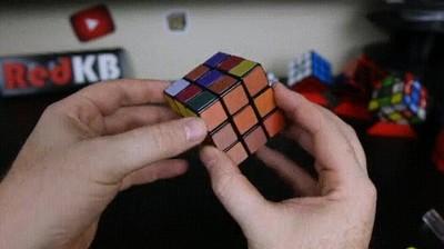 Enlace a Cubo de Rubik con colores cambiantes